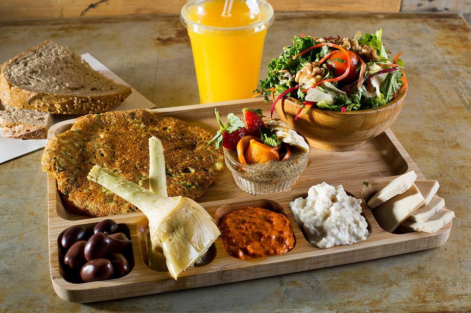 ארוחת בוקר חביתה עדשים וטופו, צילום: בועז לביא