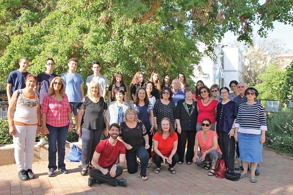 משתתפי תכנית מועדון גלישה, צילום: באדיבות דוברות עיריית רמת גן