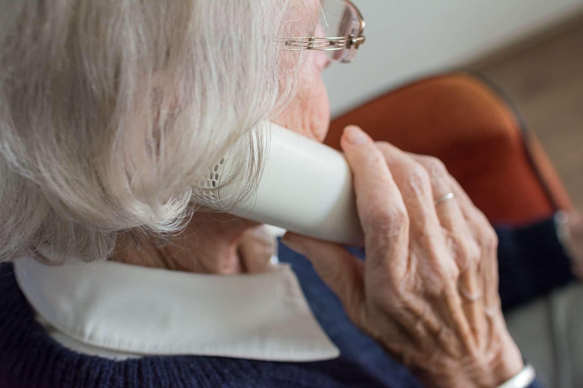 סבתא על הגובה, צילום אילוסטרציה
