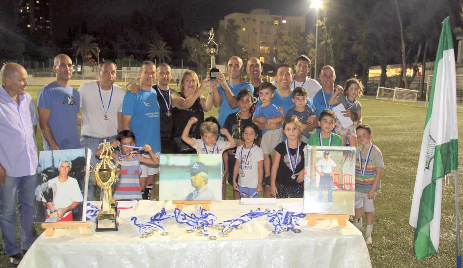 גם הוותיקים נהנים מטעם הניצחון, צילום: העמותה לקידום הספורט