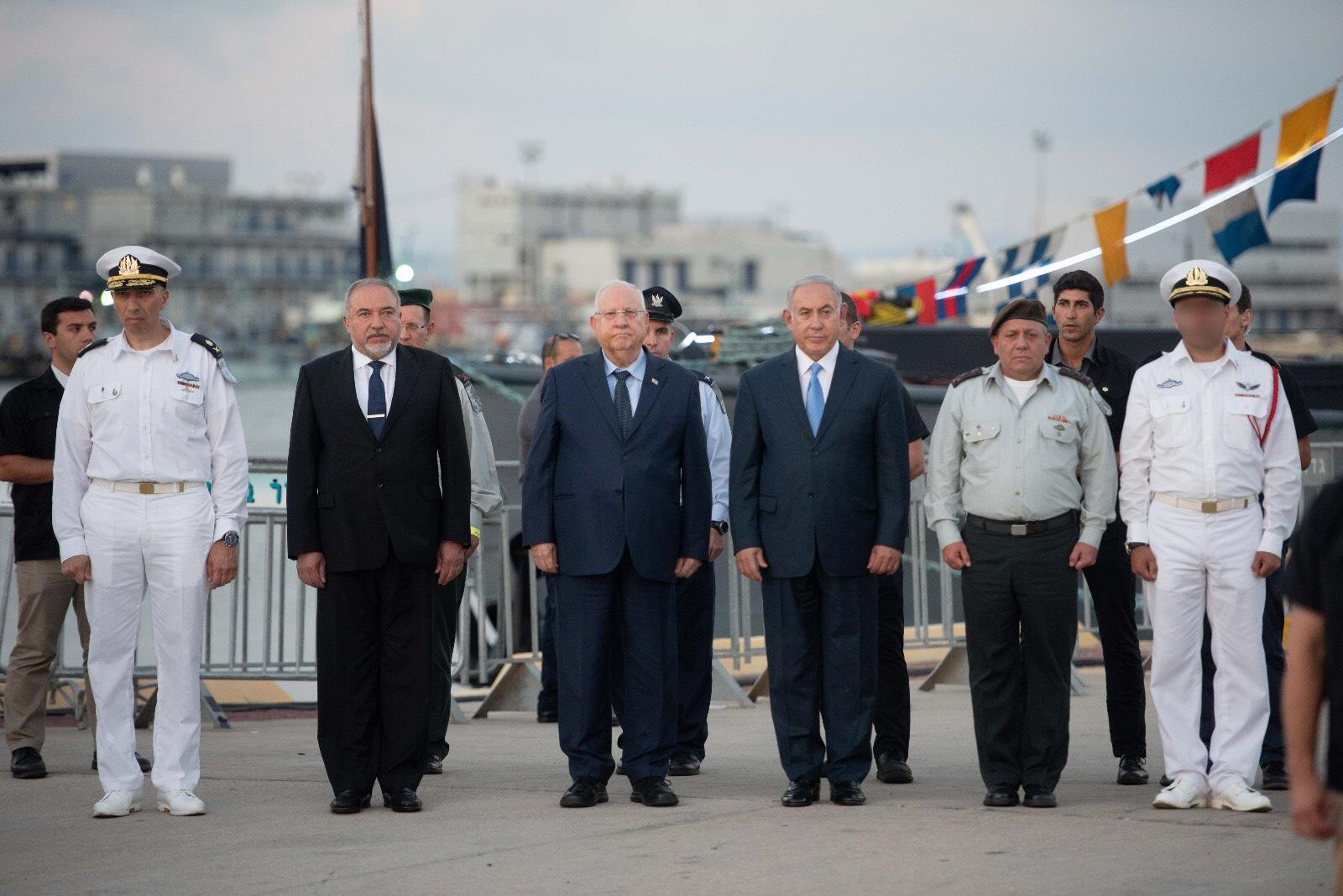 """ראש הממשלה, הרמטכ""""ל ושר הביטחון בטקס הסיום, צילום: באדיבות דובר צה""""ל"""
